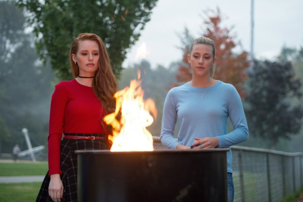 "Riverdale -- ""Chapter Three: Body Double"" -- Image Number: RVD103b_0086.jpg -- Pictured (L-R): Madelaine Petsch as Cheryl Blossom and Lili Reinhart as Betty Cooper -- Photo: Diyah Pera/The CW -- © 2017 The CW Network. All Rights Reserved"